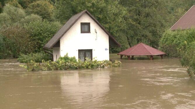 Woda w mieszkaniach, ewakuacje. <br />Trudna sytuacja w Czechach i na Słowacji