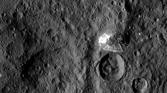 Tajemnicza góra na powierzchni Ceres